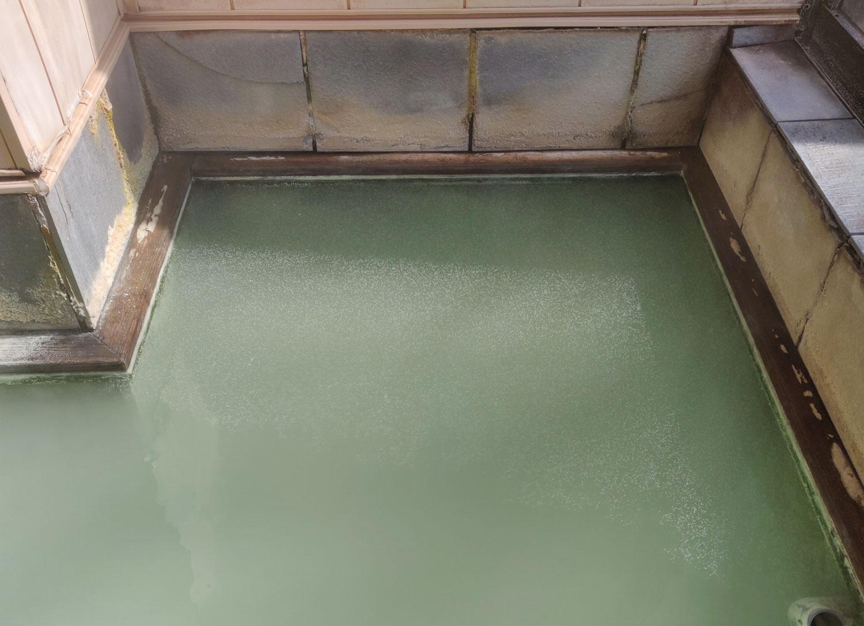 内湯の湯膜