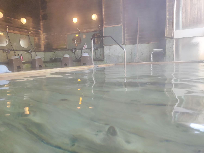 内湯 入浴中目線