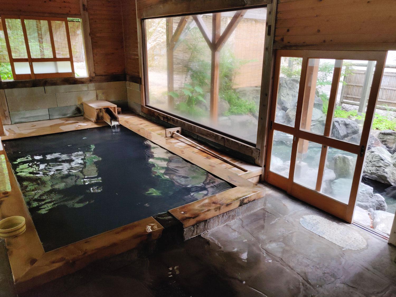 西山温泉 旅館中の湯 離れ浴室