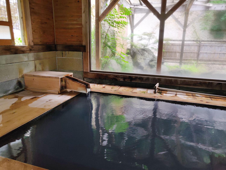西山温泉 旅館中の湯 離れ内湯