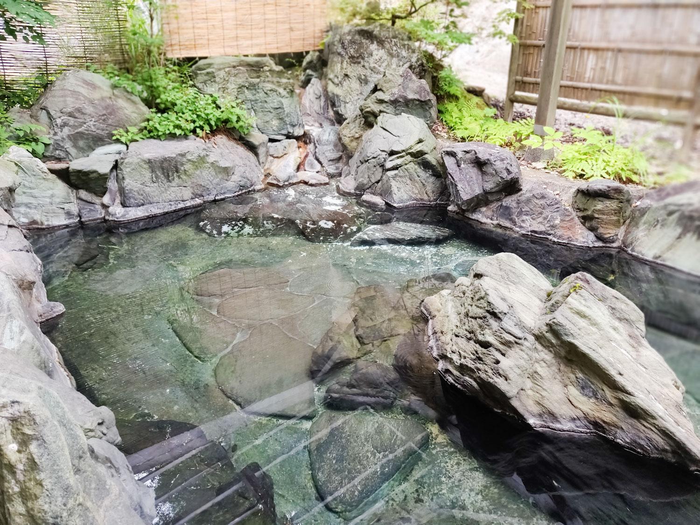 西山温泉 旅館中の湯 離れ露天風呂俯瞰