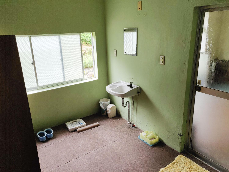 西山温泉 旅館中の湯 内湯脱衣場