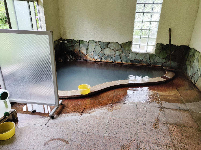 西山温泉 旅館中の湯 内湯浴室