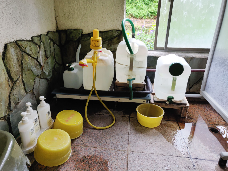 西山温泉 旅館中の湯 内湯シャワー?