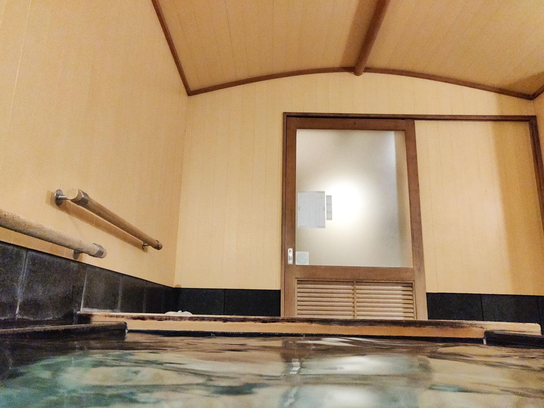中川温泉信玄館 丹青の湯入浴中目線