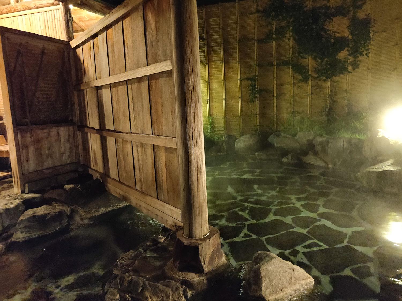 中川温泉信玄館 千石の湯左側浴槽