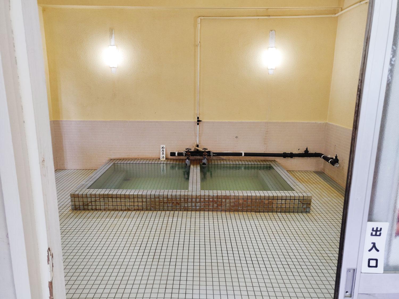 伊豆山浜浴場 浴室