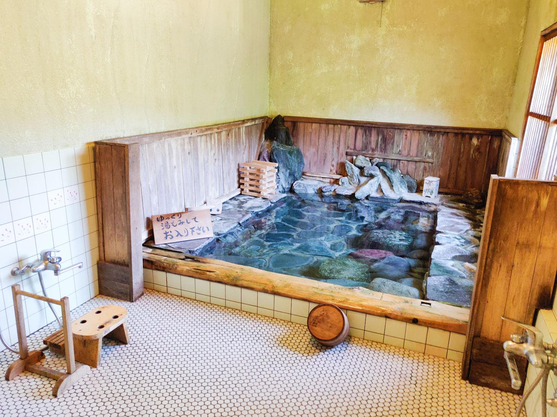 都幾川温泉とき川浴室