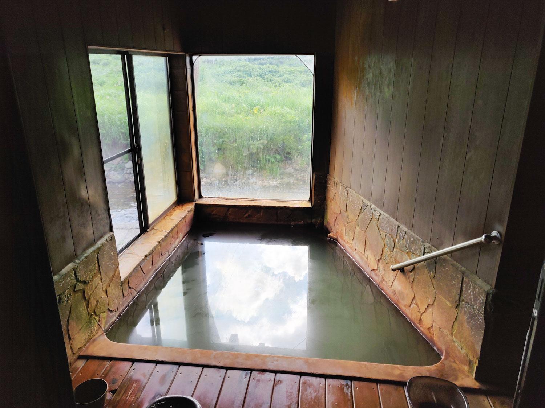 泡の湯温泉三好荘男湯俯瞰