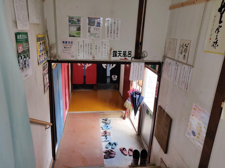 石塚旅館廊下
