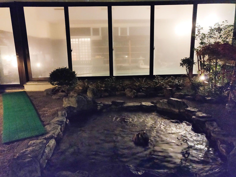木津温泉ゑびすや 露天風呂と内湯