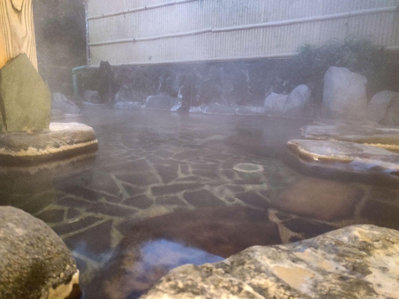 七滝温泉ホテル 庭園露天風呂 大浴槽