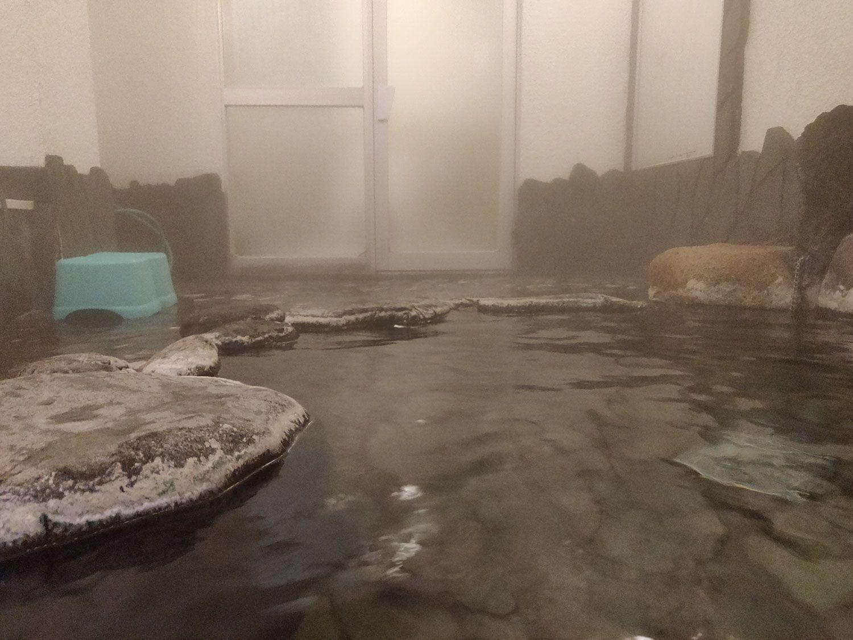 七滝温泉ホテル 家族風呂岩風呂入浴中