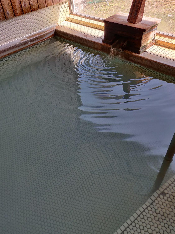 応徳温泉 湯口