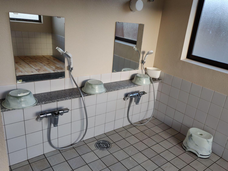 長英の隠れ湯 シャワー