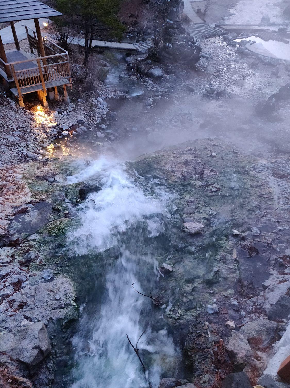 西の河原公園の朝 川の流れ