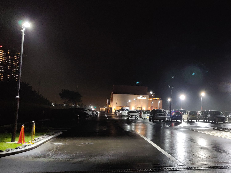 幕張温泉 湯楽の里 駐車場