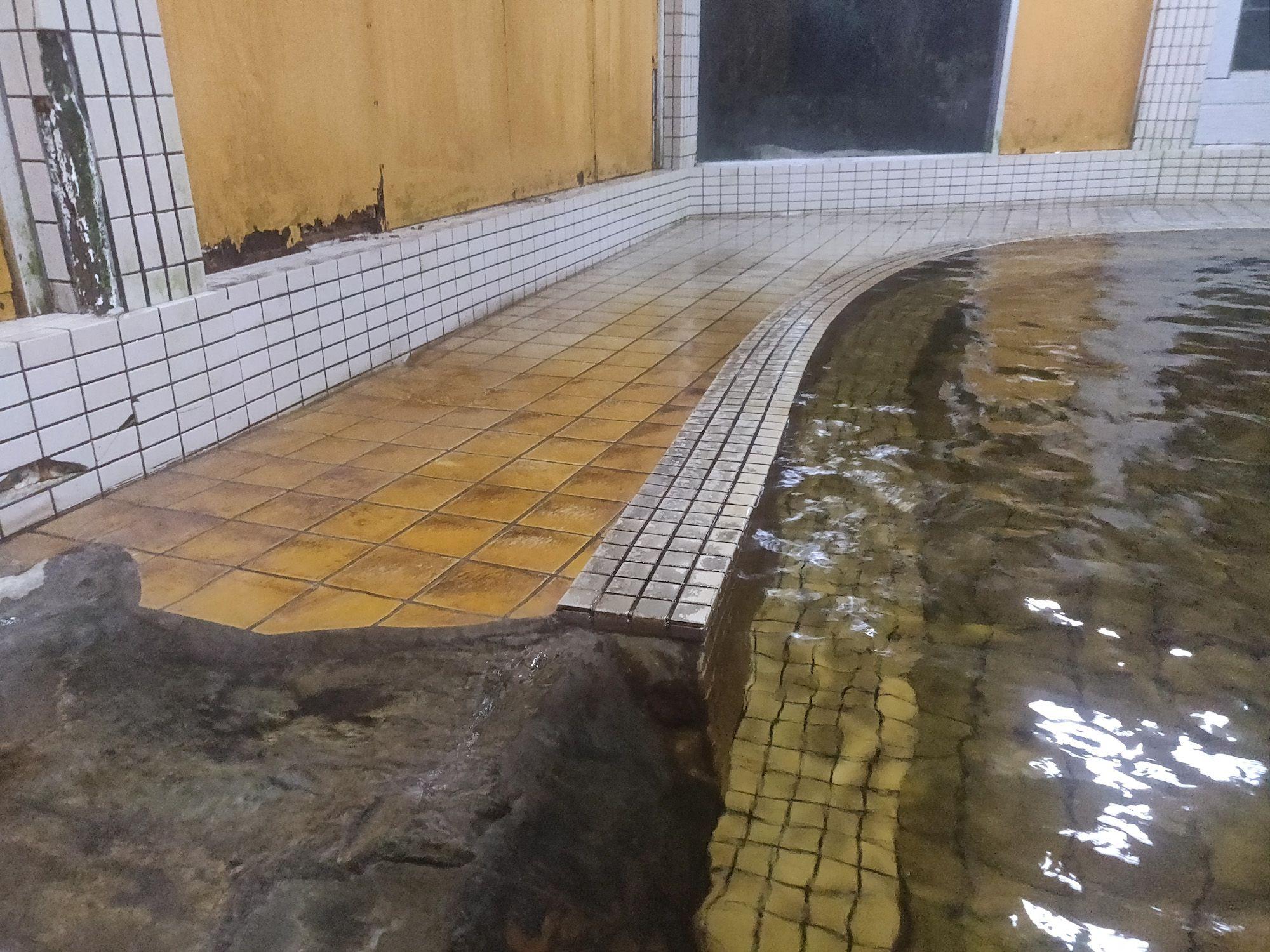新菊島温泉 オーバーフロー